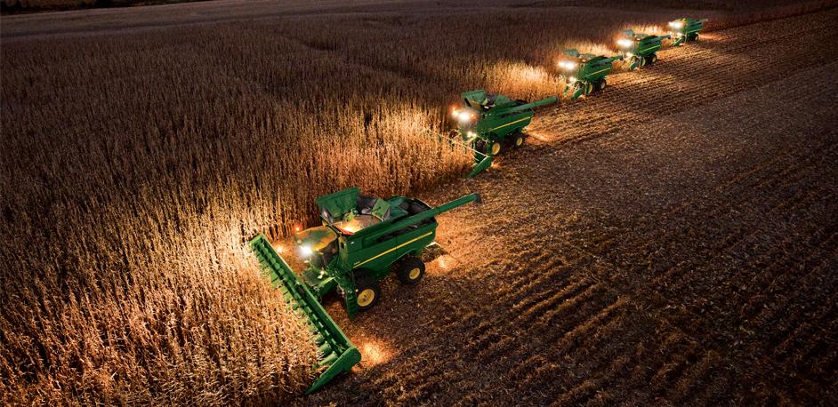 5 Harvest-Changing 2014 John Deere S-Series Combine ...