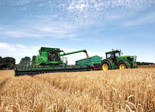 John Deere Combine and Grain Cart