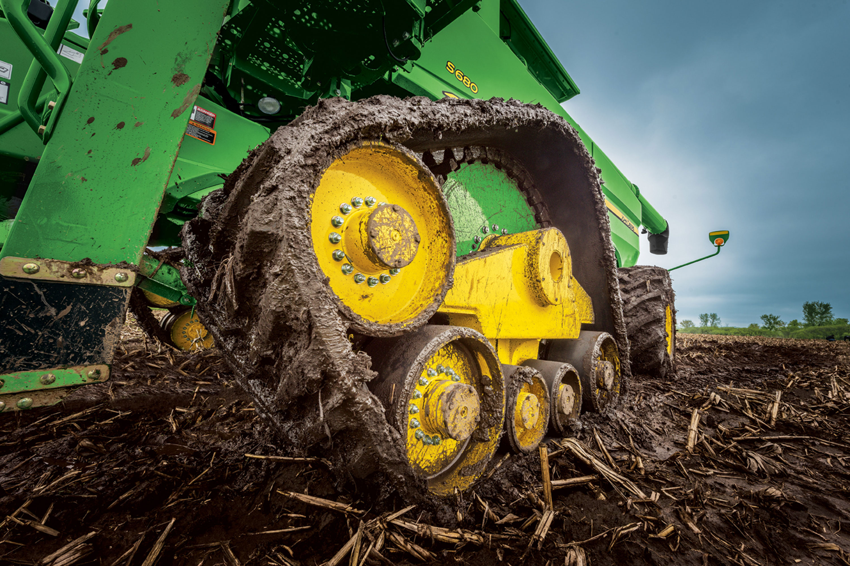 John Deere Combine Track in Mud