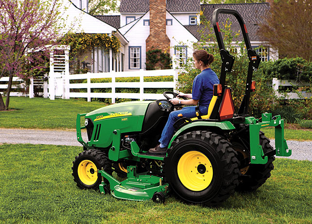 taking on 4 seasons of outdoor chores with the john deere 2720
