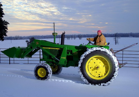 John Deere 4010 in snow