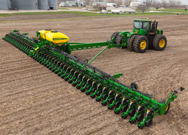 John Deere DB Planter with Siloes
