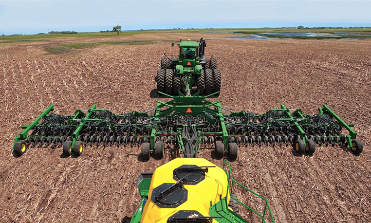 Tractor In Field Planting : Image gallery john deere planting and seeding equipment