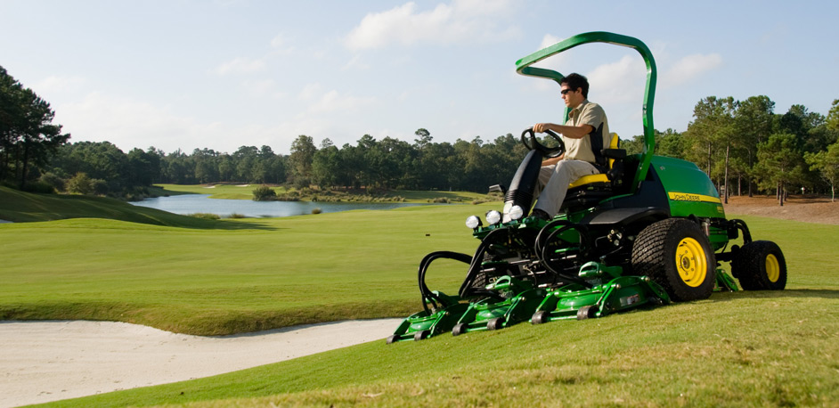 John Deere Gators >> Image Gallery: John Deere Golf and Turf Equipment Grooming ...