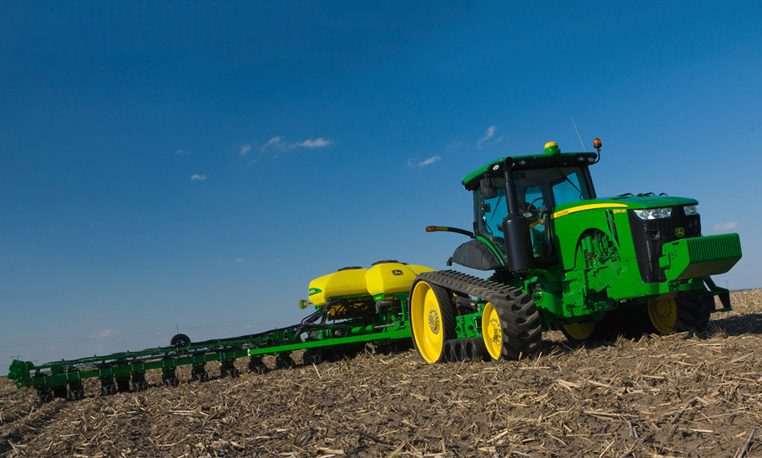 Tractor In Field Planting : John deere track tractors rt overview farms