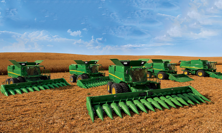 S Series Combines in Field Front