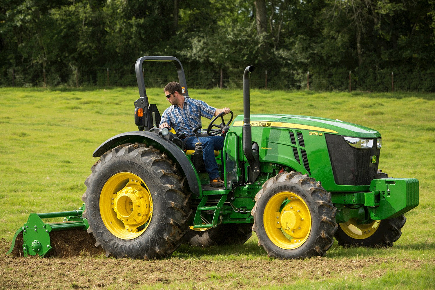 John Deere Line : Pulling up the curtain on new line of john deere