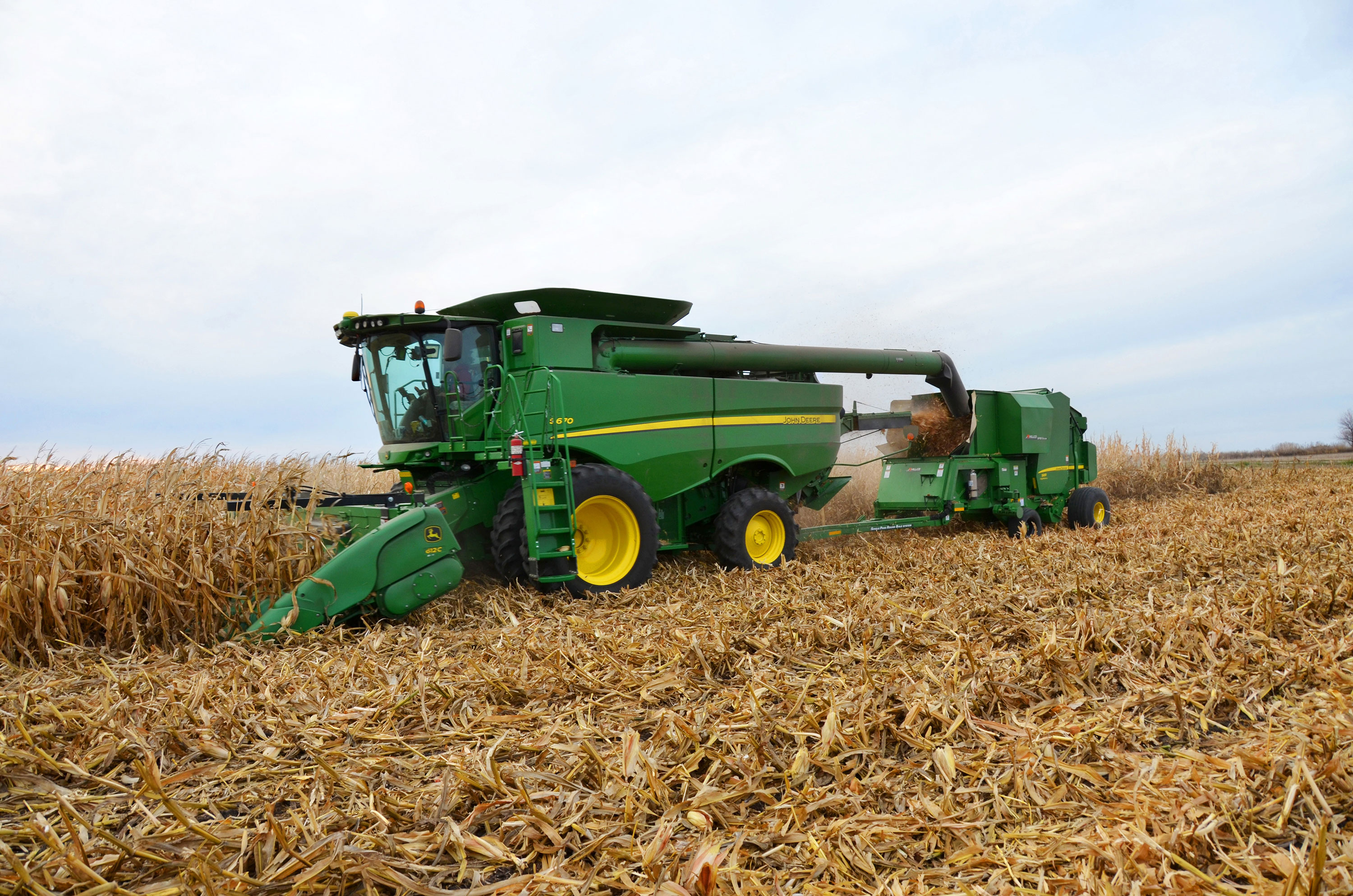 Image Gallery: Sizing up the 2015 Lineup of New John Deere ...