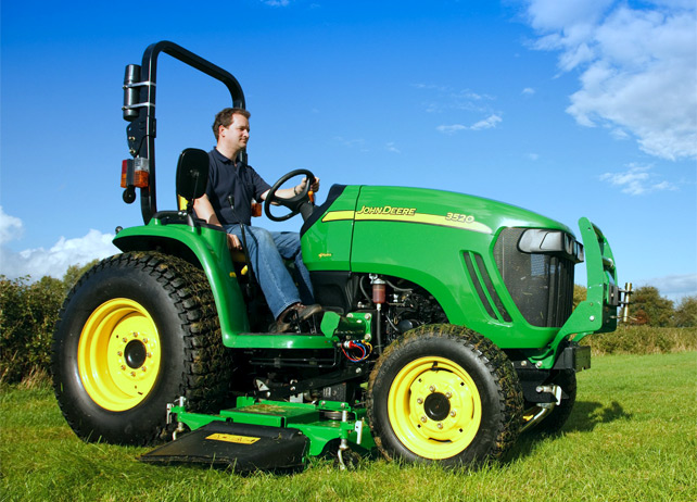 Bringing Efficiency to the Field with the John Deere 3520