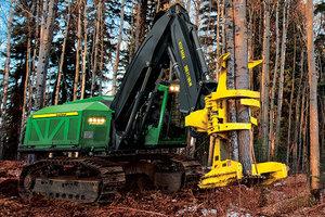 John Deere Forestry Family Welcomes M-Series Tracked Feller