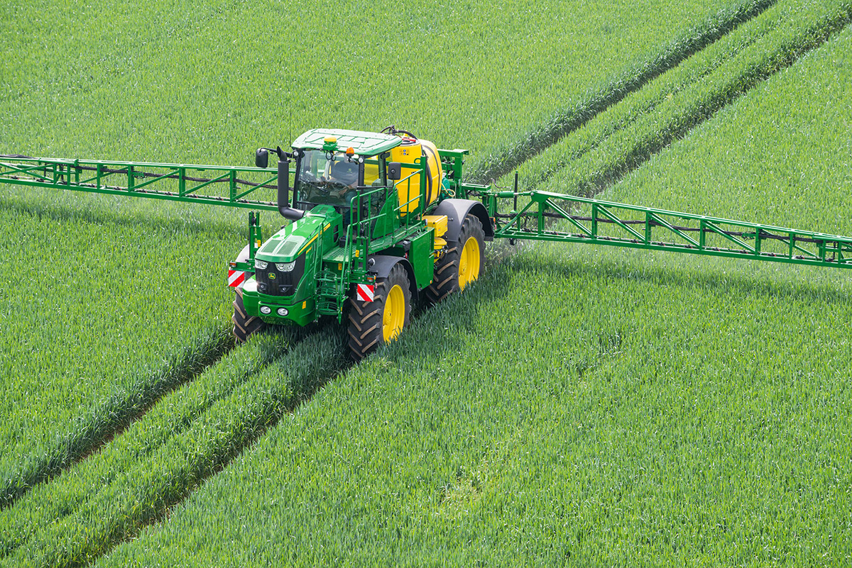 R4040i Sprayer