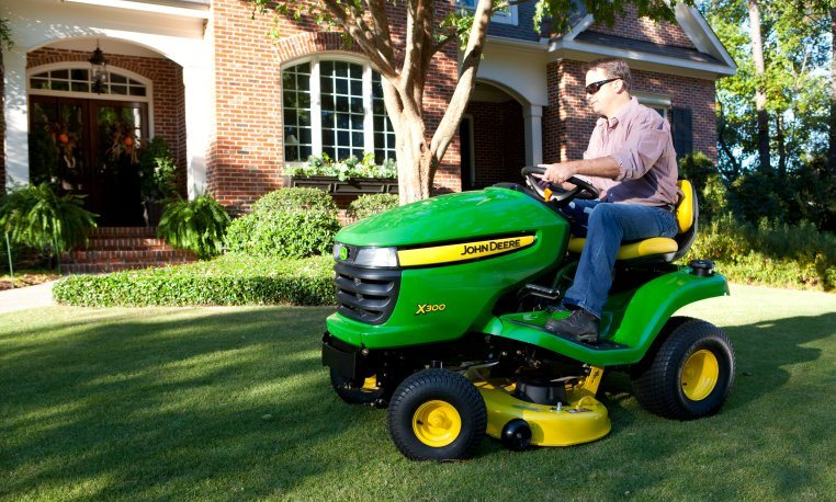 john deere equipment comparison x300 and x500 riding lawn tractors