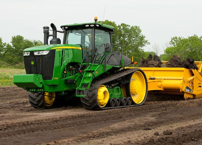 John Deere Scraper Tractors