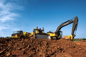 The new JDLink Ultimate extended terms are now being offered to a wide range of John Deere production-scale equipment customers.