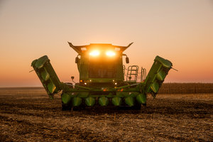The 612FC Folding Corn Head is one of several new John Deere products for model year 2016.
