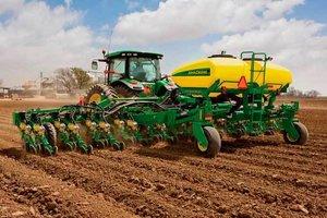 John Deere will join hundreds of exhibitors at the 2015 Indiana-Illinois Farm Show.