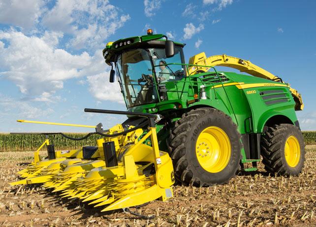 John Deere 8800 Forage Harvester