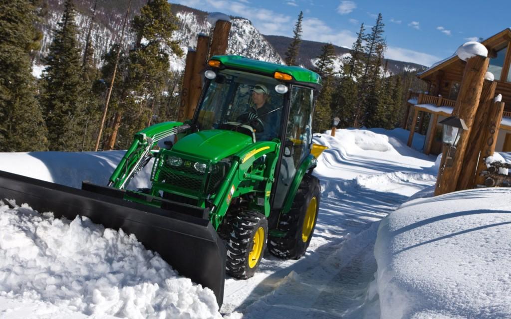 John Deere in Snow