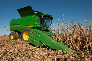 Favorable field conditions were a primary contributing factor to this year's expected record corn yield.