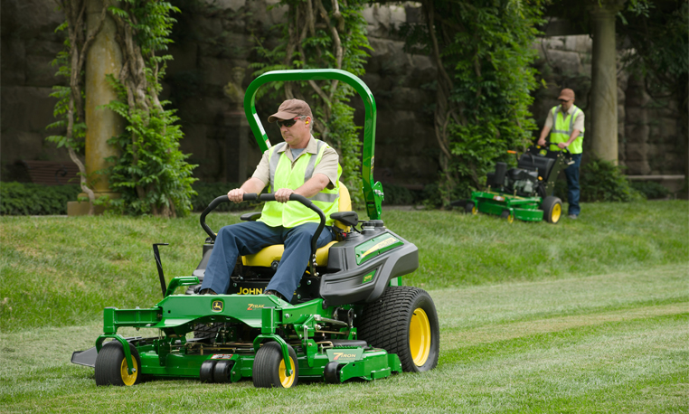 Video Gallery: Key Features of John Deere ZTrak Mowers