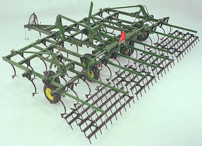 How The John Deere 980 Field Cultivator Tackled Soil Work