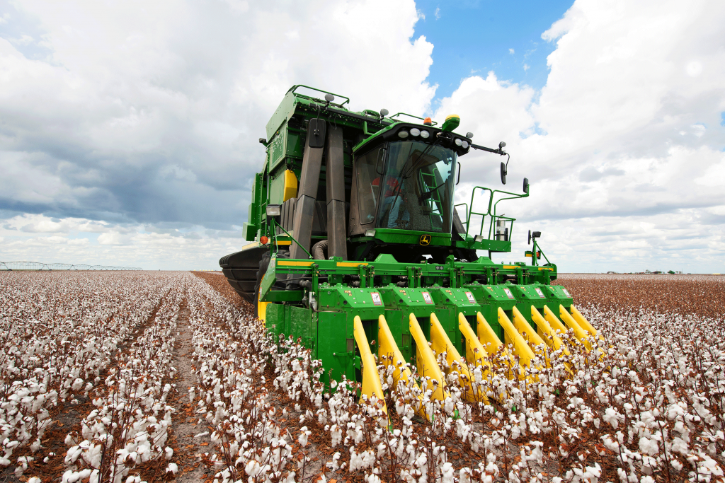 cp690-cotton-picker