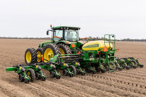 Warm and dry weather across Illinois is getting farmers out to their fields, but early planting is unlikely to result in higher yields.
