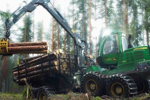 The John Deere 1910G has the power to take on challenging jobs in even the toughest of conditions.