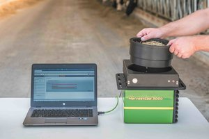 The new HarvestLab 3000 can be removed and utilized in stationary mode to evaluate forage quality at feeding.