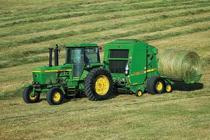 The 460M Round Baler will be one of the many new Deere machines on display at the National Farm Machinery Show.