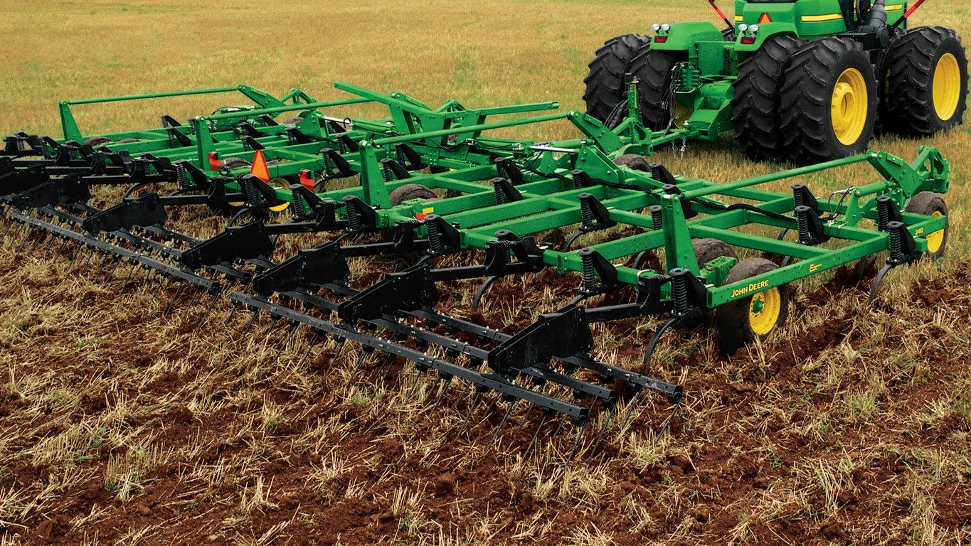 A Closer Look At The 2410 Chisel Plow And 610 Integral