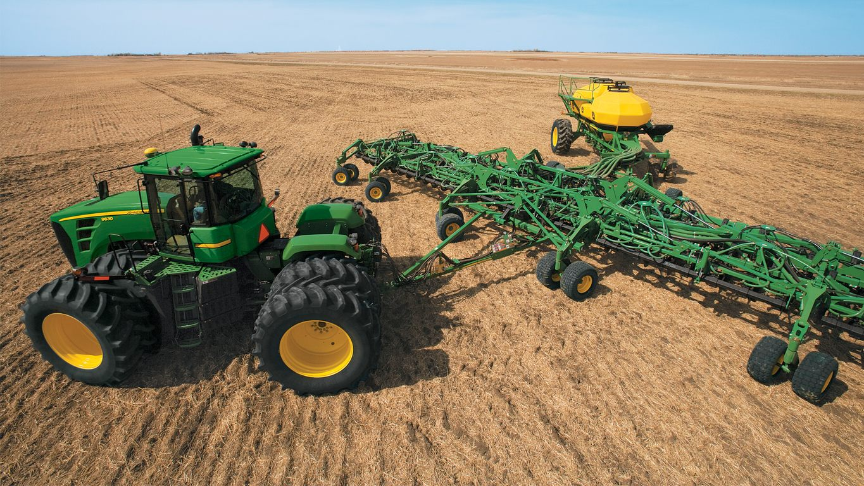 2018 John Deere X590 - Reynolds Farm Equipment