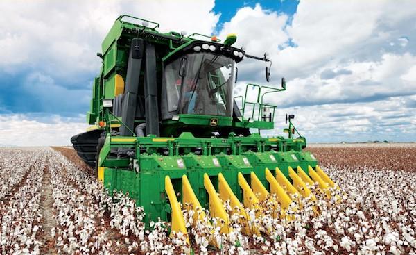 Exploring the Features Built into John Deere Cotton Technology