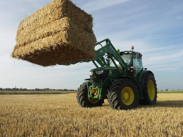 Twitter Fan Media Gallery: John Deere Ag Tractors and Attachments in Action