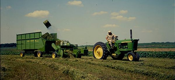 Taking a Deep Dive Into the Capabilities of Round Balers