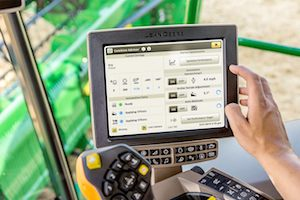 Combine Advisor™ and HarvestSmart™ were updated with the goal of improving automation, data management and residue placement.