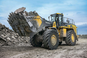 The 944K Hybrid Wheel Loader has fuel-saving capabilities and incorporates additional features to provide long-term performance.