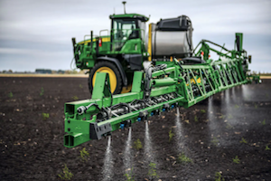 See & Spray Select is the only OEM solution available that allows farmers to have both a spot-spray and a broadcast machine in one integrated solution.