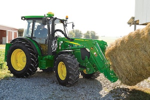 PowrQuad transmissions are available on the 5090M, 5100M, and 5115M cab versions.